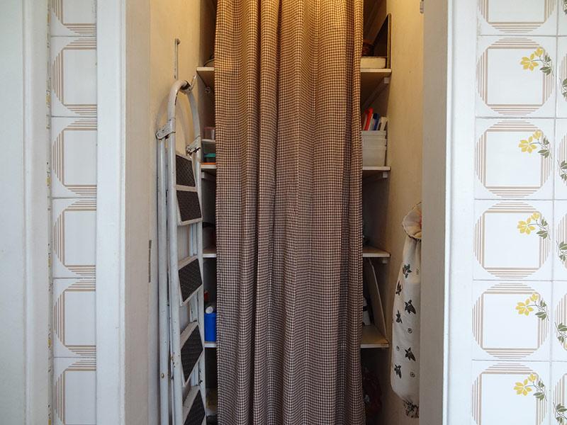 Sacomã, Apartamento Padrão-Dep. de empregada com piso de cerâmica (Utilizado como despensa).