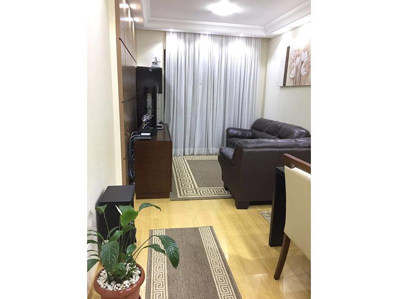 Ipiranga, Apartamento Padrão - Sala com dois ambientes, piso laminado, teto sanca com moldura de gesso e iluminação embutida.