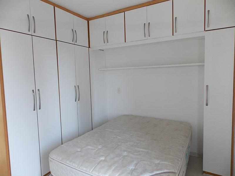 Jabaquara, Apartamento Padrão-Suíte com piso de cerâmica e armários planejados.