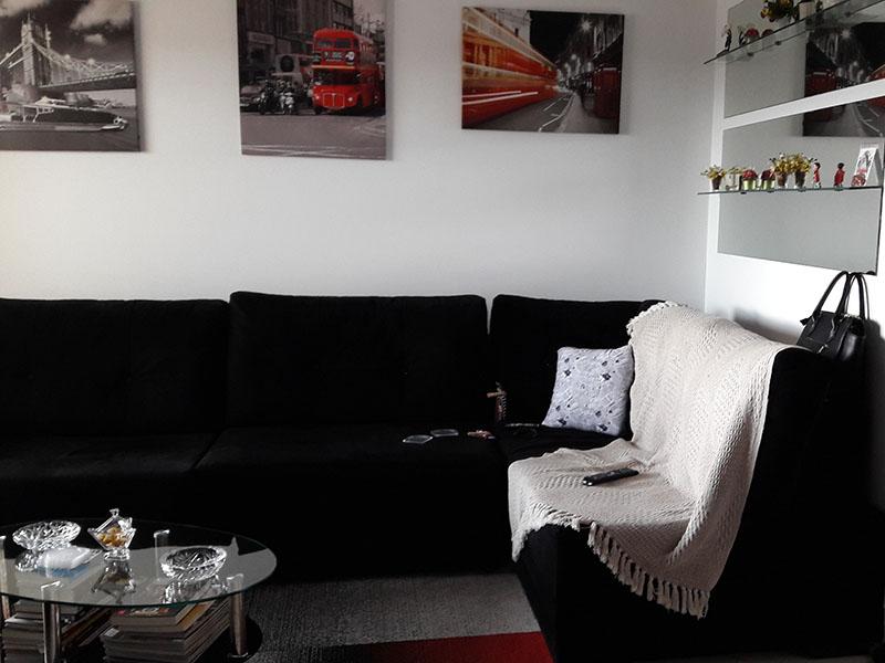 Jabaquara, Apartamento Padrão - Sala irregular com piso cerâmica e teto com moldura de gesso.