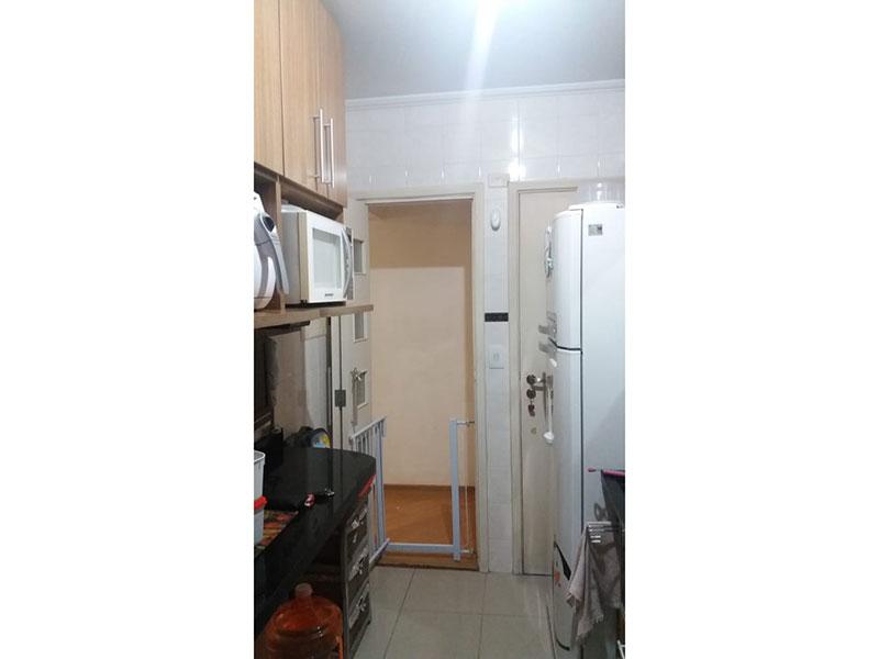 Jabaquara, Apartamento Padrão-Cozinha com piso de cerâmica, teto com moldura de gesso, pia de granito, gabinete e armários planejados.