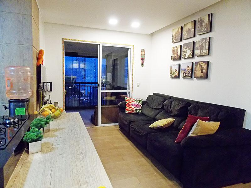 Ipiranga, Apartamento Padrão-Sala em L, com piso laminado, teto com sanca de gesso, iluminação embutida com acesso a varanda gourmet.