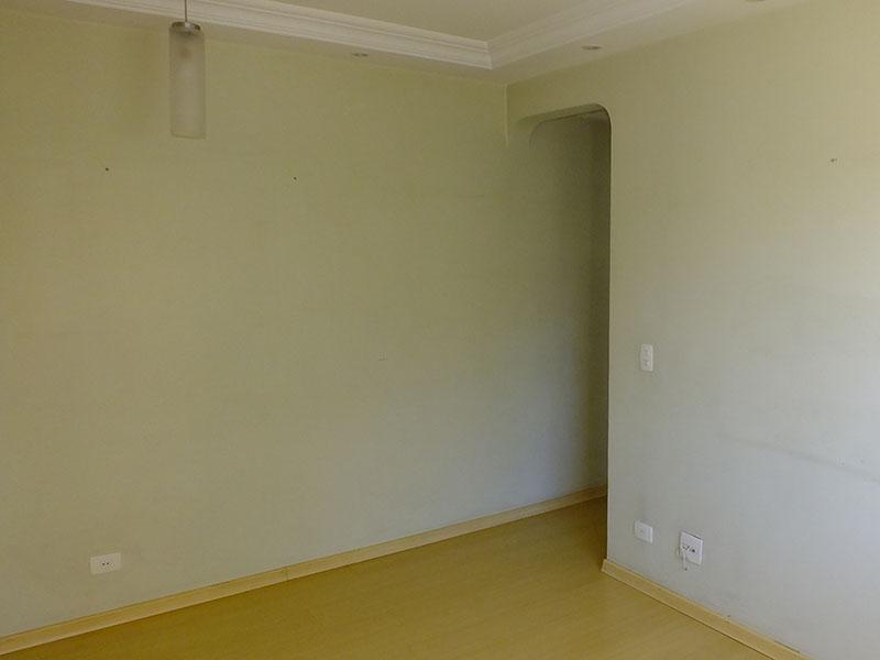 Jabaquara, Apartamento Padrão-Sala irregular com piso laminado, teto sanca com moldura de gesso e iluminação embutida.