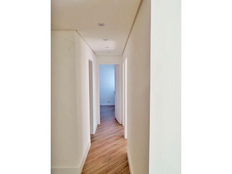 Ipiranga, Apartamento Padrão-Corredor com piso de laminado, teto com sanca e iluminação embutida.