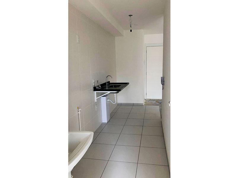 Ipiranga, Apartamento Padrão-Cozinha integrada à área de serviço com piso de cerâmica e pia de granito.