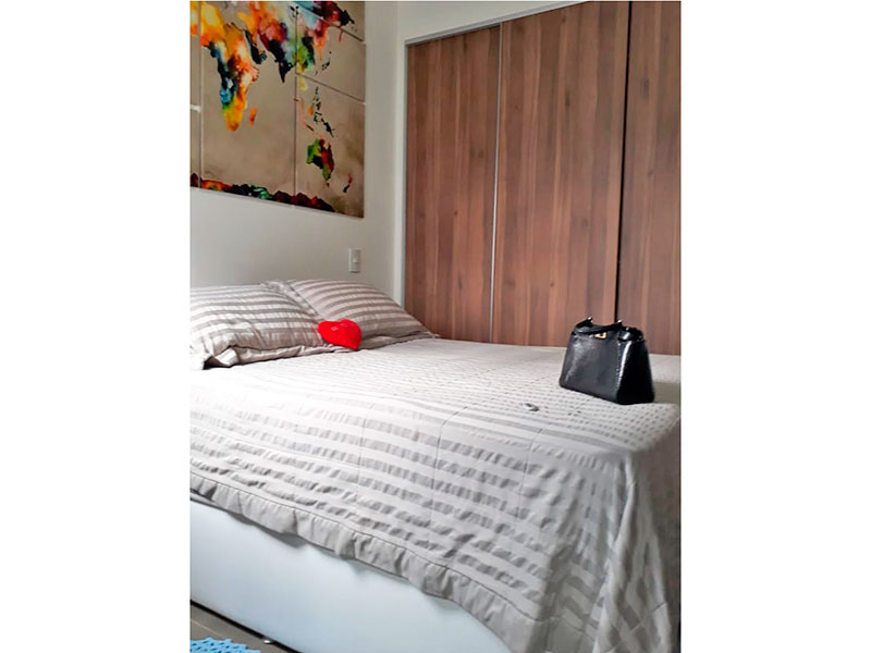 Ipiranga, Apartamento Padrão-Suíte com piso de granito e armário embutido.