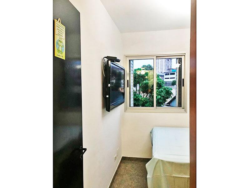 Sacomã, Apartamento Padrão-1º Dormitório com piso de granito e armários planejados.
