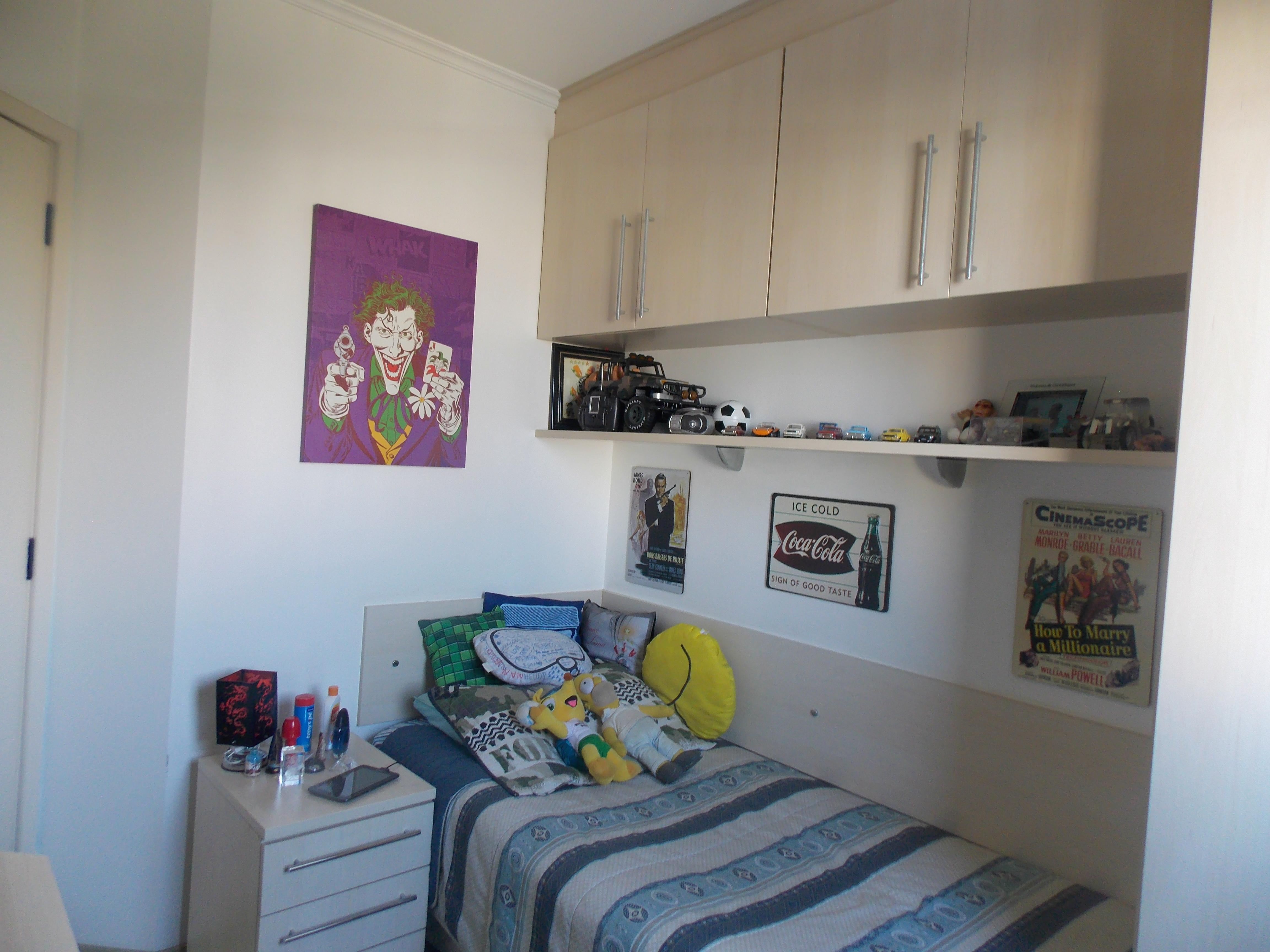 Jabaquara, Apartamento Padrão-3º dormitório com piso laminado, teto com moldura de gesso e armários planejados.