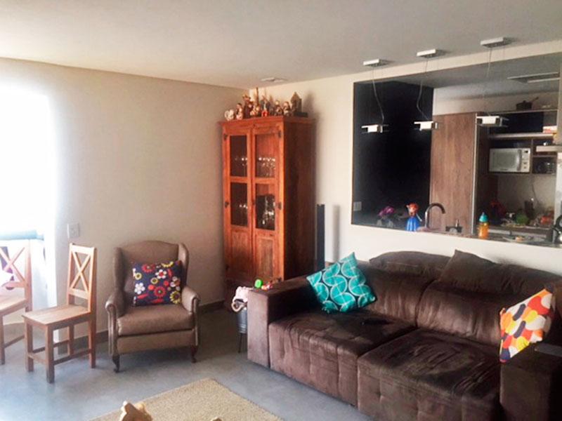 Jabaquara, Apartamento Padrão-Sala com piso de porcelanato, teto com sanca e acesso a varanda.