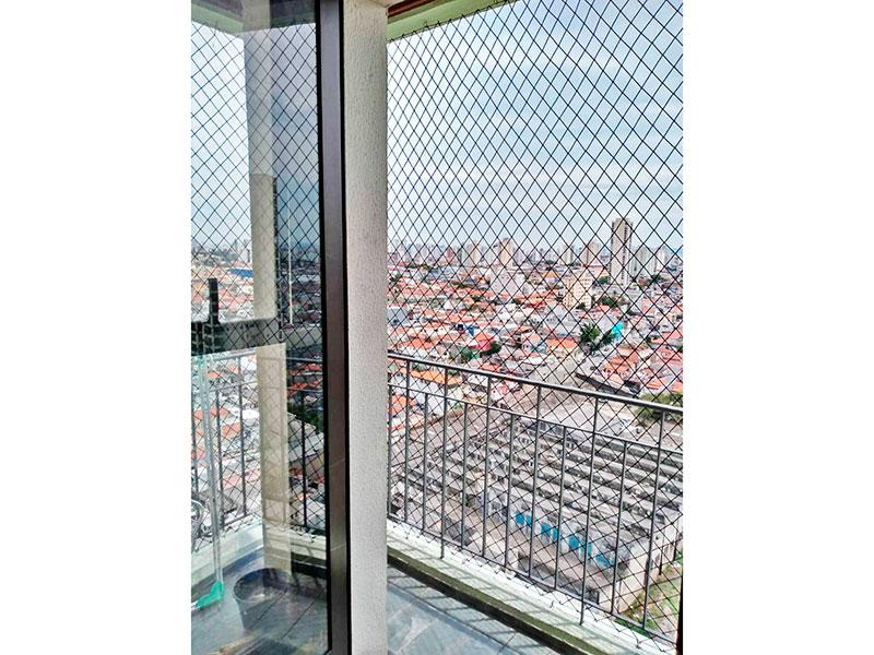 Sacomã, Apartamento Padrão-Varanda com piso de ardosia e tela de proteção.