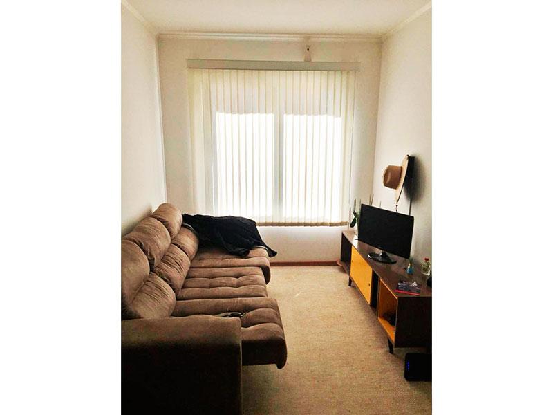 Jabaquara, Apartamento Padrão - Sala com piso laminado e teto com moldura de gesso.