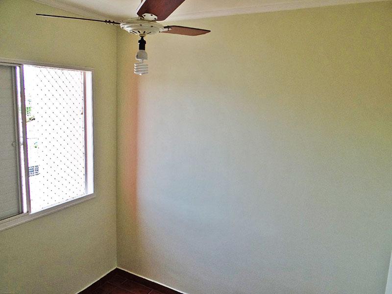 Jabaquara, Apartamento Padrão-1º dormitório com piso de cerâmica e teto com moldura de gesso.