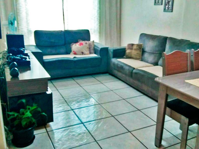 Sacomã, Apartamento Padrão - Sala com 2 ambientes com piso de cerâmica.
