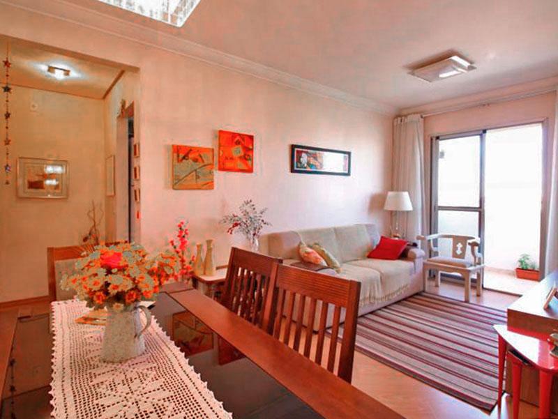 Sacomã, Apartamento Padrão-Sala em L com piso de laminado, teto com moldura de gesso e acesso a varanda.