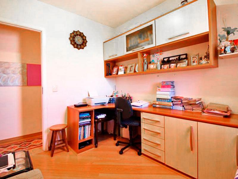 Sacomã, Apartamento Padrão-3º Quarto com piso de laminado, armários embutidos e planejados.