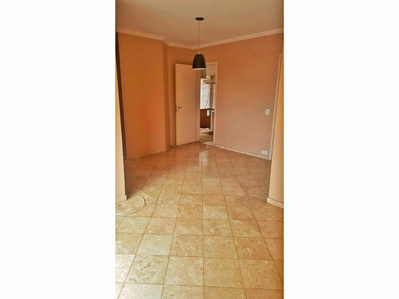 Jabaquara, Apartamento Padrão-Sala com piso de cerâmica, teto com moldura de gesso e acesso a varanda.
