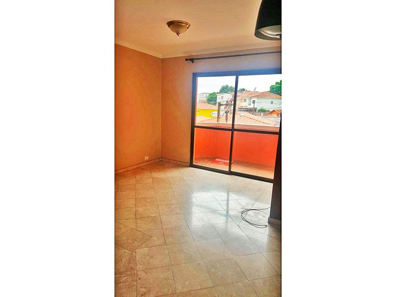 Jabaquara, Apartamento Padrão - Sala com piso de cerâmica, teto com moldura de gesso e acesso a varanda.