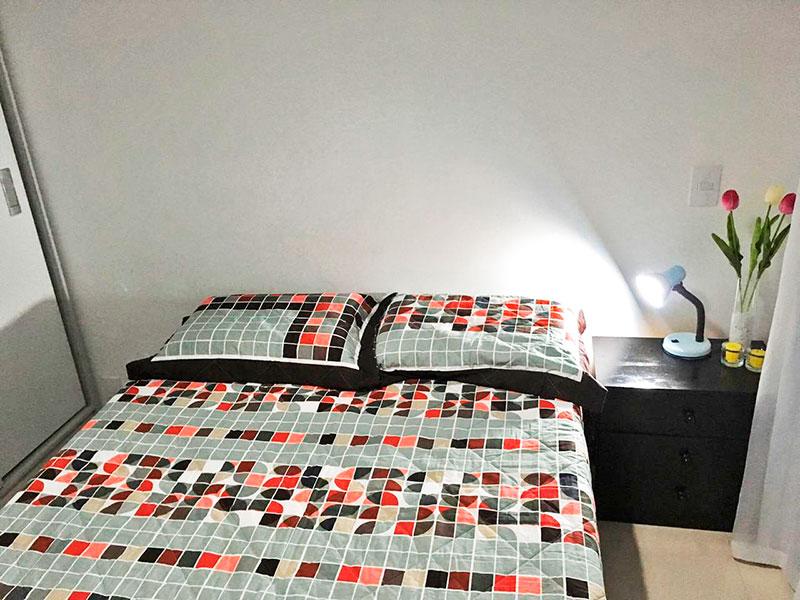 Ipiranga, Apartamento Padrão-Quarto com  piso de cerâmica e armários planejados.