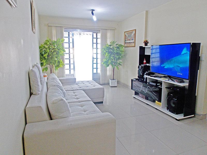 Ipiranga, Apartamento Padrão - Sala com piso de porcelanato e acesso ao terraço.