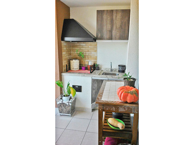 Ipiranga, Apartamento Padrão-Varanda gourmet com piso de cerâmica, gabinete e pia de granito.