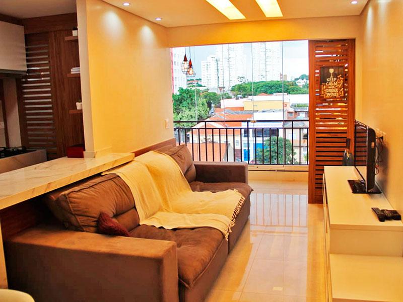 Ipiranga, Apartamento Padrão - Sala integrada com a varanda, com piso de porcelanato, teto com sanca e iluminação embutida.