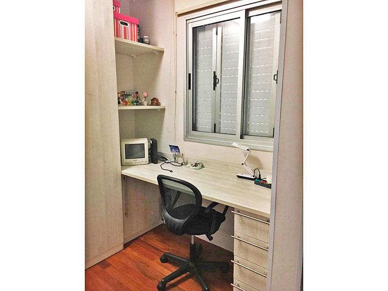 Sacomã, Apartamento Padrão-Closet (3º quarto transformado parcialmente), com piso de tacão.