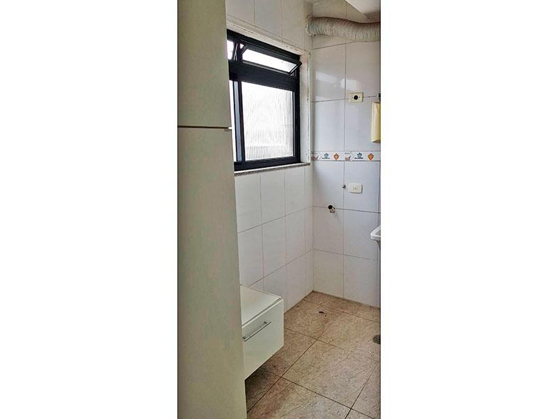 Ipiranga, Apartamento Padrão-Área de serviço com piso de porcelanato e aquecedor de passagem.