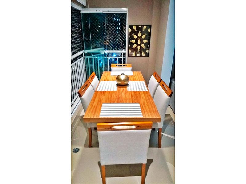 Sacomã, Apartamento Padrão-Varanda gourmet com piso de porcelanato, teto com sanca, iluminação embutida, gabinete, pia de granito, fechamento de vidro e tela de proteção.