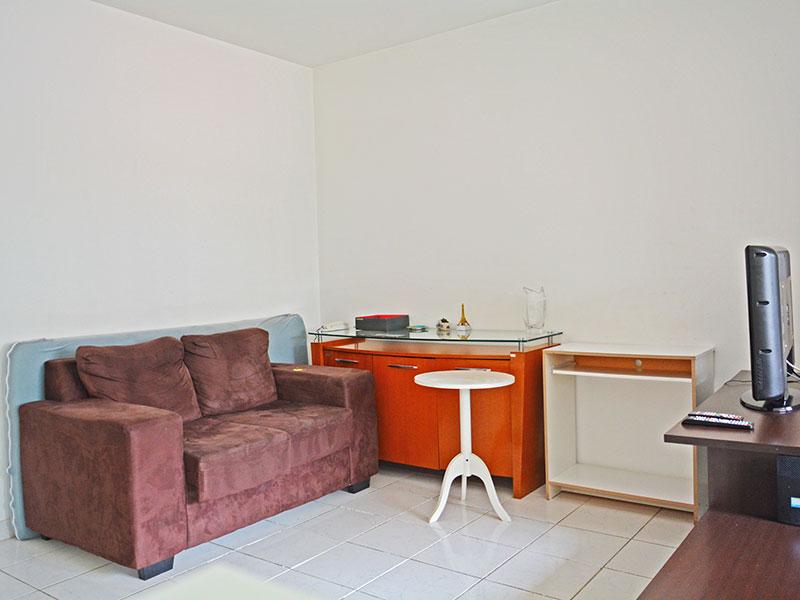 Jabaquara, Studio-Sala integrado com a suíte, e piso de cerâmica.