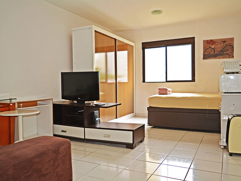 Jabaquara, Studio - Sala integrado com a suíte, e piso de cerâmica.
