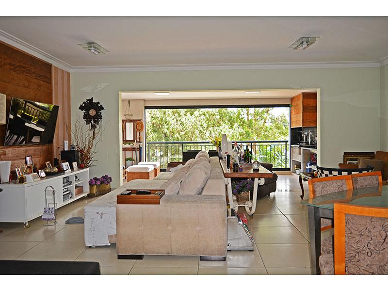 Jabaquara, Apartamento Padrão - Sala ampliada (com o 4º quarto), integrada com a varanda gourmet, com piso de cerâmica e teto com moldura de gesso.