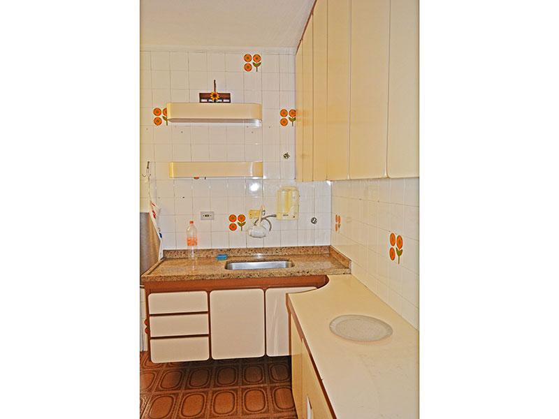 Ipiranga, Apartamento Padrão-Cozinha com piso de cerâmica e armários planejados, gabinete.