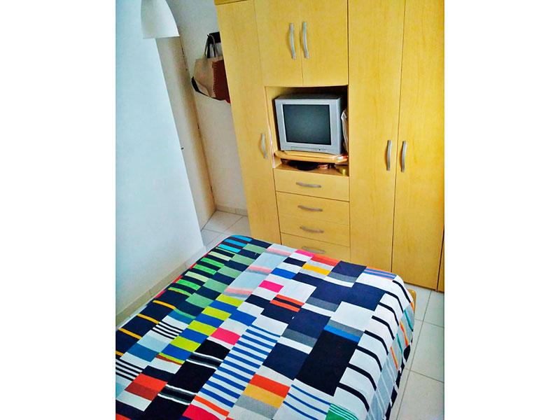 Ipiranga, Apartamento Padrão-1º Quarto com piso de cerâmica.