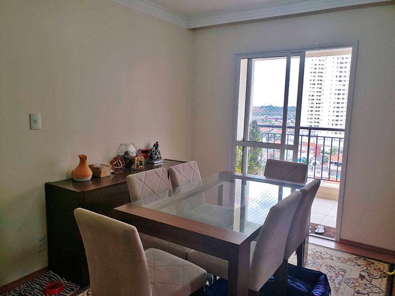 Jabaquara, Apartamento Padrão - Sala ampliada (com o 3º quarto), com piso de laminado, teto com sanca de gesso e acesso a varanda.