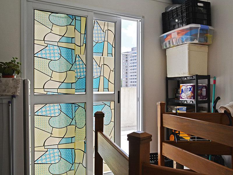 Sacomã, Cobertura Duplex-Sala do piso superior com piso de cerâmica, teto com moldura de gesso e acesso a varanda.