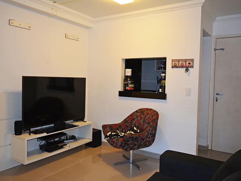 Ipiranga, Apartamento Padrão-Sala integrada com a varanda e com piso de porcelanato.