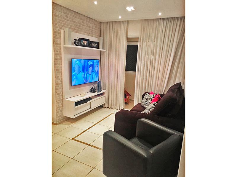Jabaquara, Apartamento Padrão-Sala irregular com piso de cerâmica, teto com sanca, iluminação embutida e acesso a varanda.