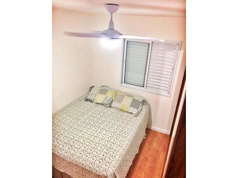 Ipiranga, Apartamento Padrão-Quarto com piso de laminado.