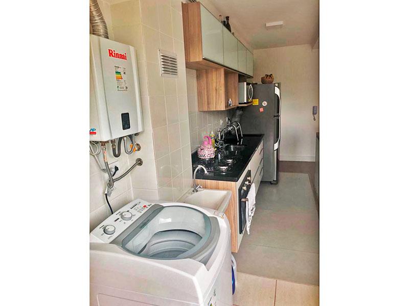 Ipiranga, Apartamento Padrão-Área de serviço integrada com a varanda, com piso de cerâmica e aquecedor de passagem.