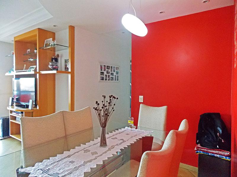 Ipiranga, Apartamento Padrão-Sala com piso de laminado e acesso a varanda.
