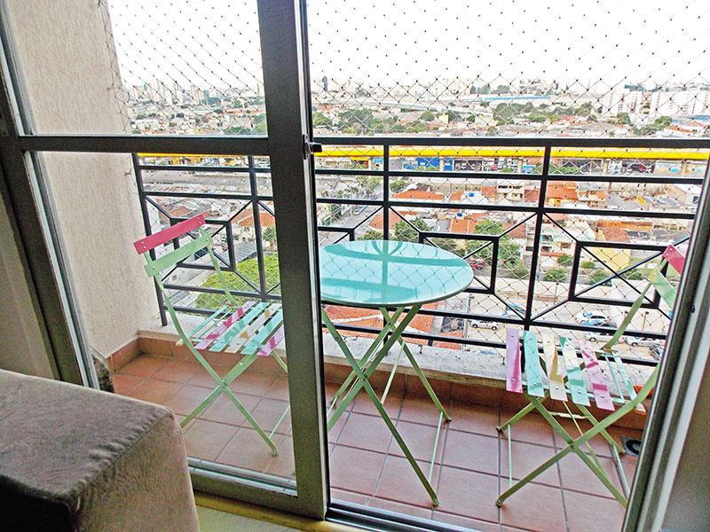 Ipiranga, Apartamento Padrão-Varanda com piso de cerâmica e tela de proteção.