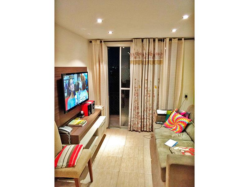 Jabaquara, Apartamento Padrão - Sala com piso de cerâmica, iluminação embutida e acesso a varanda.