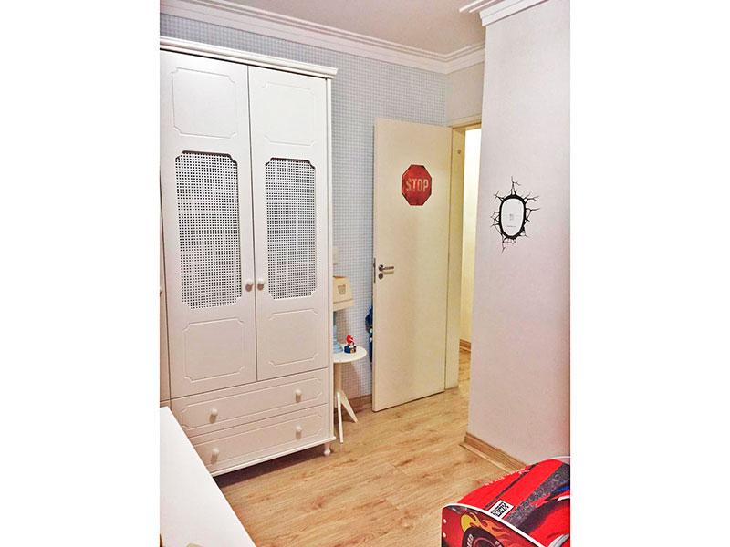 Sacomã, Apartamento Padrão-2º Quartos com piso de laminado e teto com moldura de gesso.