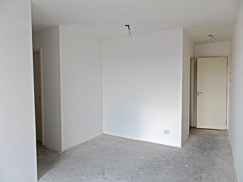 Sacomã, Apartamento Padrão-Sala irregular no contrapiso e acesso a sacada.
