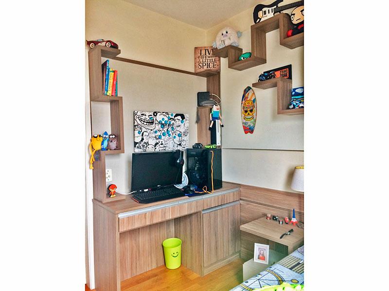 Ipiranga, Apartamento Padrão-Suíte com piso de taquinho e armários planejados.