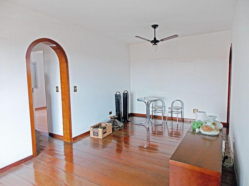 Jabaquara, Apartamento Padrão - Sala com piso de madeira.
