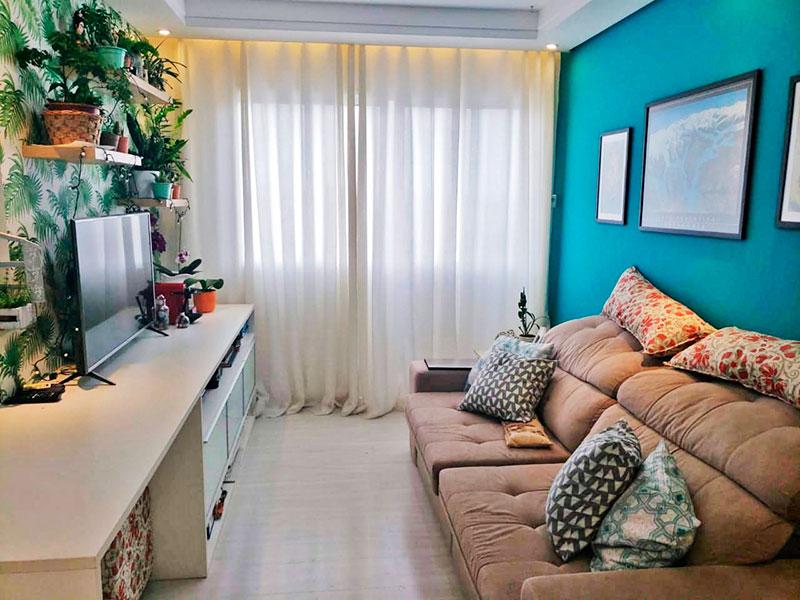 Sacomã, Apartamento Padrão - Sala em L com piso de laminado, teto com sanca de gesso e iluminação embutida.