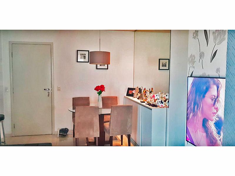 Ipiranga, Apartamento Padrão-Sala com piso de porcelanato e acesso a varanda gourmet.