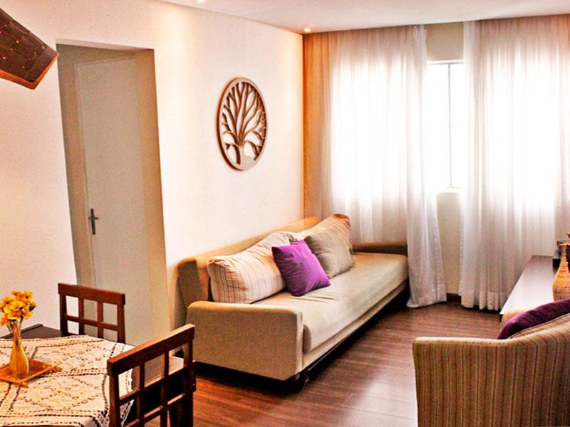 Sacomã, Apartamento Padrão - Sala com piso de laminado, teto com sanca e iluminação embutida.