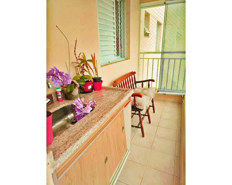 Sacomã, Apartamento Padrão-Varanda gourmet com piso de cerâmica, teto com sanca, gabinete, pia de granito, churrasqueira, fechamento de vidro  e tela de proteção.